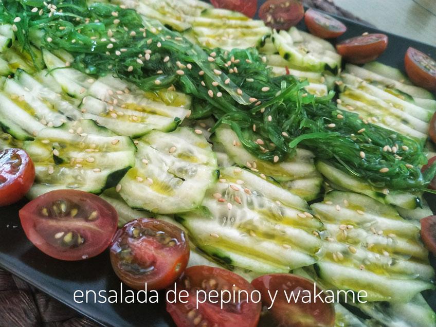 ensalada de pepino y algas wakame